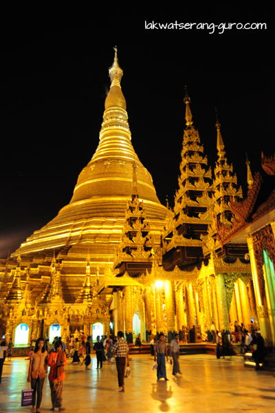 Shwedagon Paya. Even more magnificent at night.