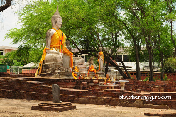 Wat Wora Chet Tha Ram