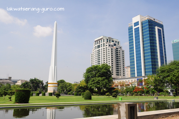 Independence Monument near Sule Paya.