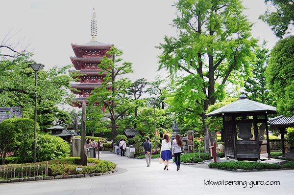 Senso-ji grounds
