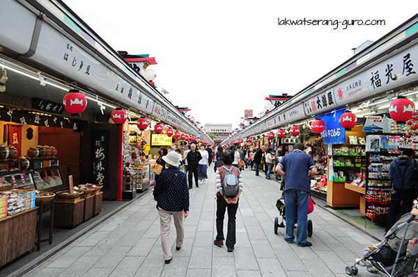 Nakamise-dori, the famous shopping street leading to the temple